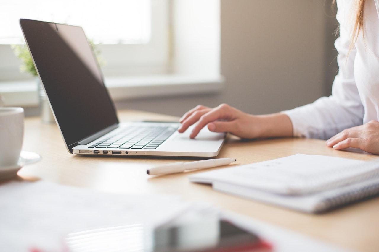 Contoh Curriculum Vitae (CV) Atau Daftar Riwayat Hidup Untuk Melamar Kerja