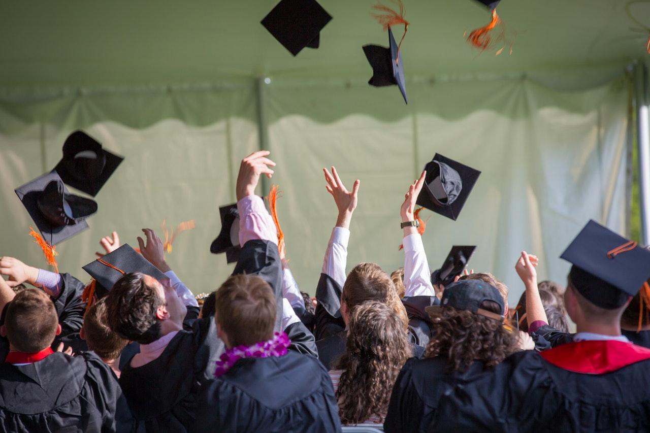 Cara Membuat CV Untuk Fresh Graduate