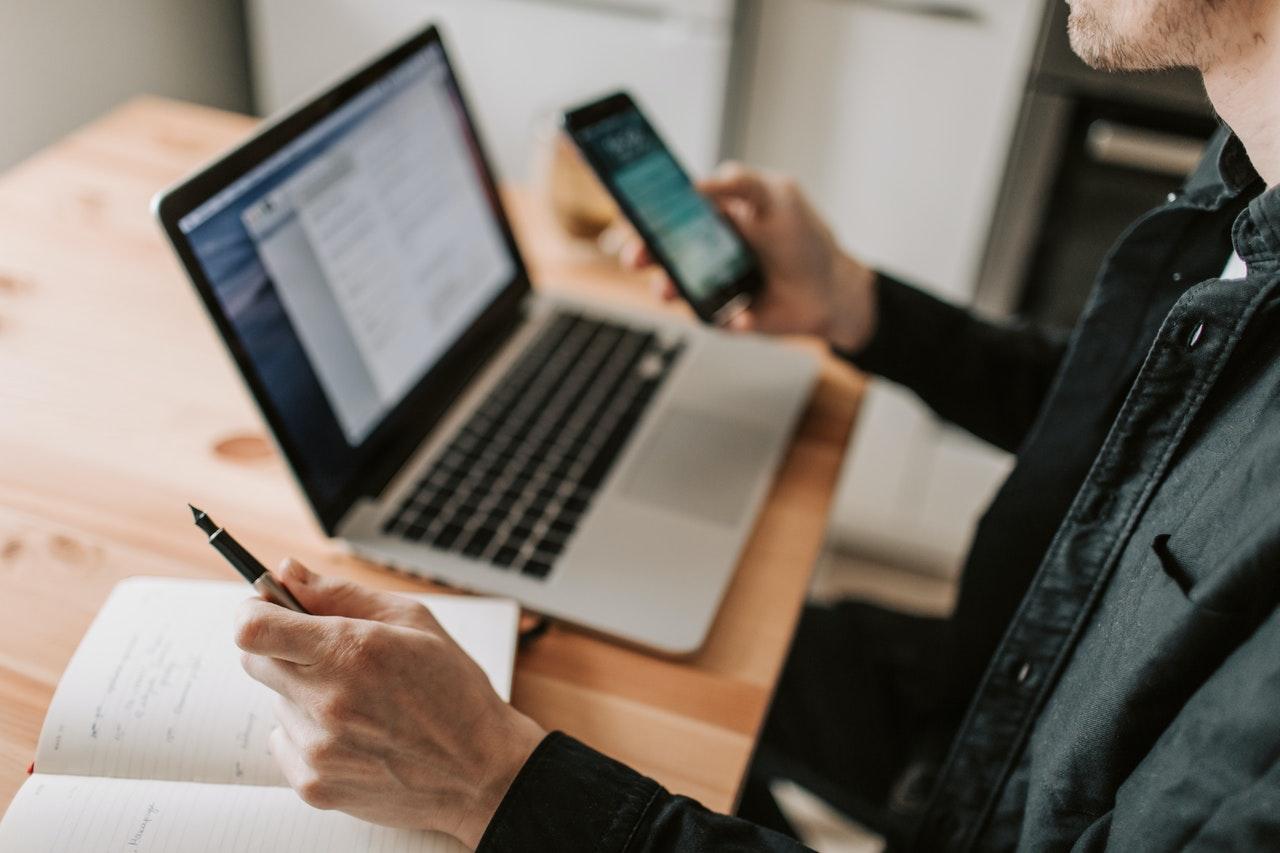 Perbedaan CV Dan Resume Yang Wajib Kamu Ketahui Sebelum Melamar Kerja